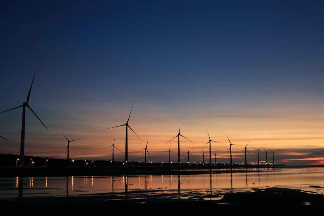 Why Wind Energy has Difficulty with BlackStarts